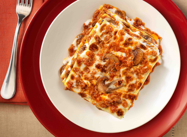 Lasagne with bolognese sauce & mushrooms