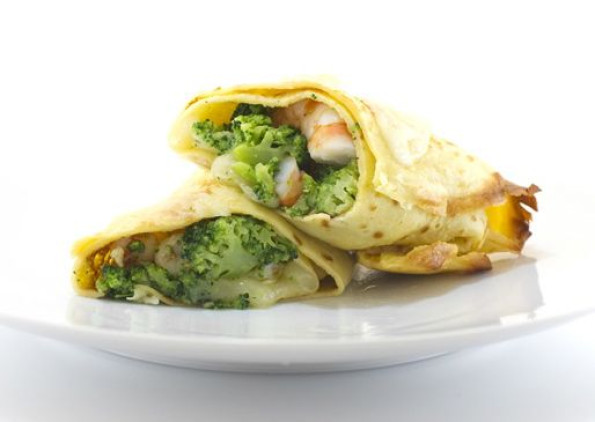 Chickpea crêpes with broccoli, Auricchio & shrimps
