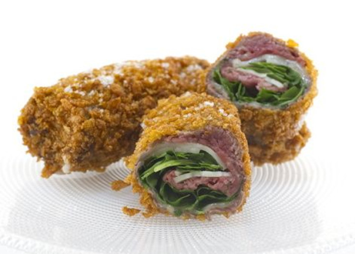 Meat roll with rocket & Provolizie in cornflakes