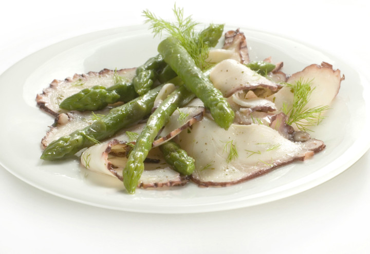 Octopus carpaccio with asparagus