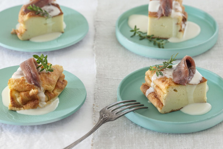 Potato pie with cheese & anchovies