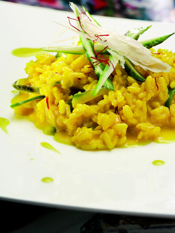 Risotto with saffron and courgettes