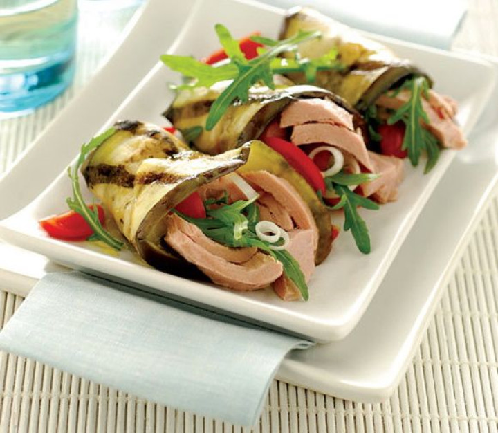 Aubergine rolls stuffed with tuna & rocket