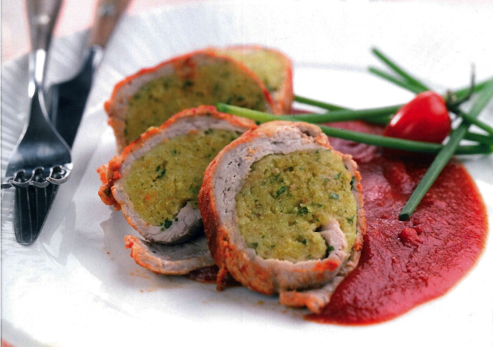 Stuffed veal in tomato sauce