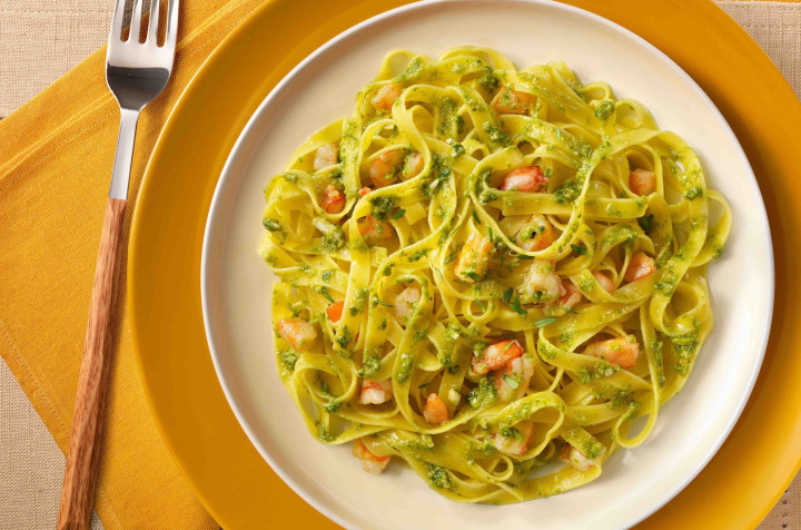 Tagliatelle with fresh green pesto & shrimps