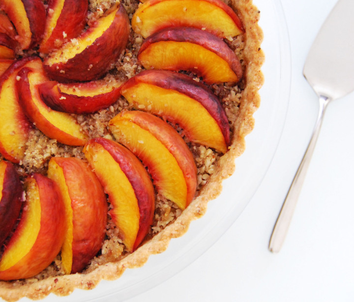 Tart with peaches