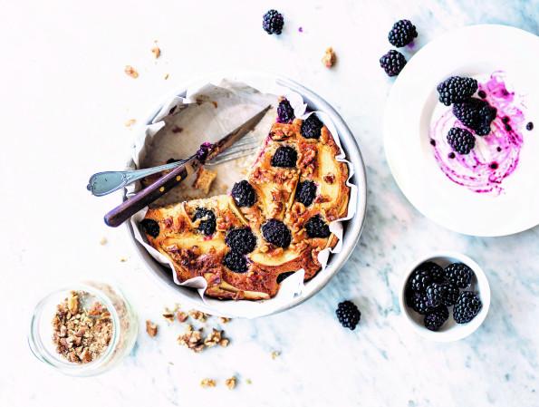 Apple, nuts & berries pie