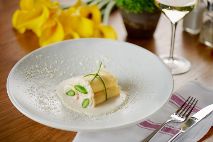 Cannelloni with Asparagus, Mozzarella, Tomato and Béchamel Sauce