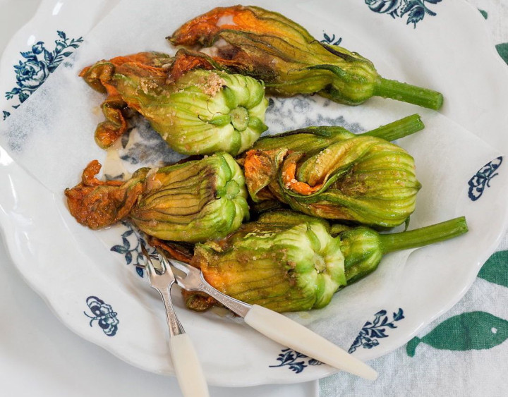 Pumpkin flowers filled with anchovies